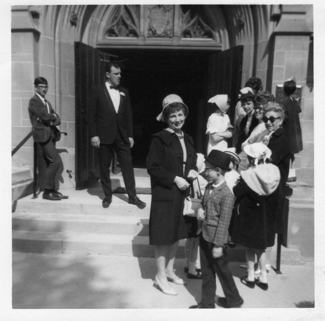 Joyce at someone's wedding....? Johnny, Bill, Bobby Storme ? (in hat), Grandma Hungerford, Julie, Jerri, circa 1967.jpg